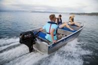 Új csónakmotor