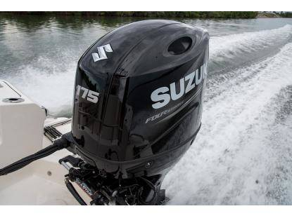 SUZUKI UNVEILS NEW OUTBOARD MOTORS AT THE GENOA BOAT SHOW